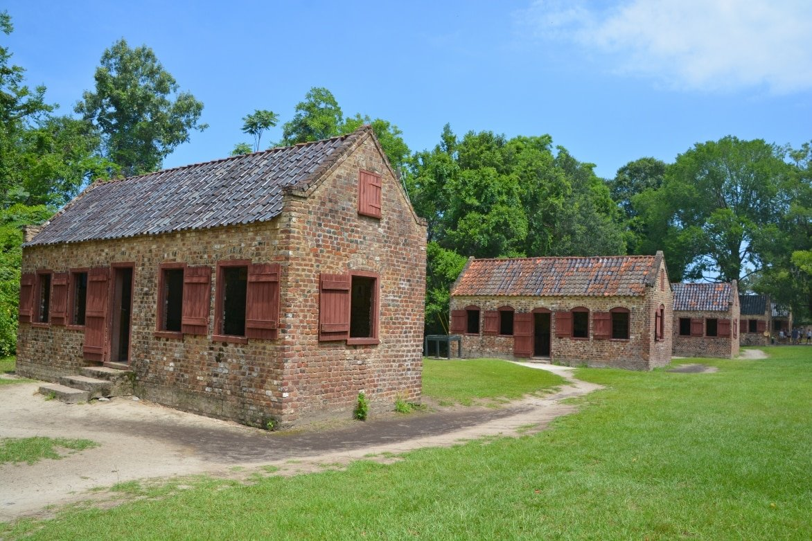 Charleston-Slave-cabins-in-Boone-Hall-Plantation-in-Mount-Pleasant.jpg