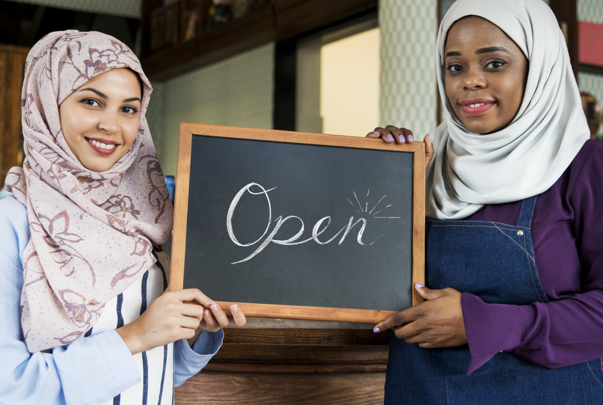 IWD-islamic-women-small-business-partnership-WXT7E5R-scaled.jpg